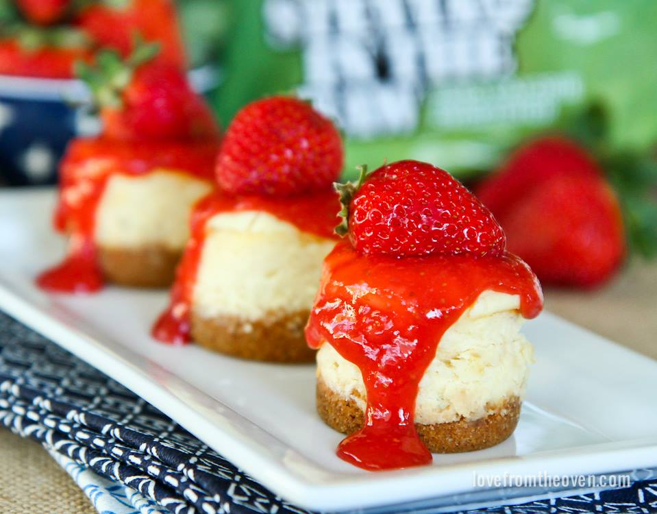 MINI CHEESECAKE WITH HOMEMADE STRAWBERRY TOPPING - Maria's ...