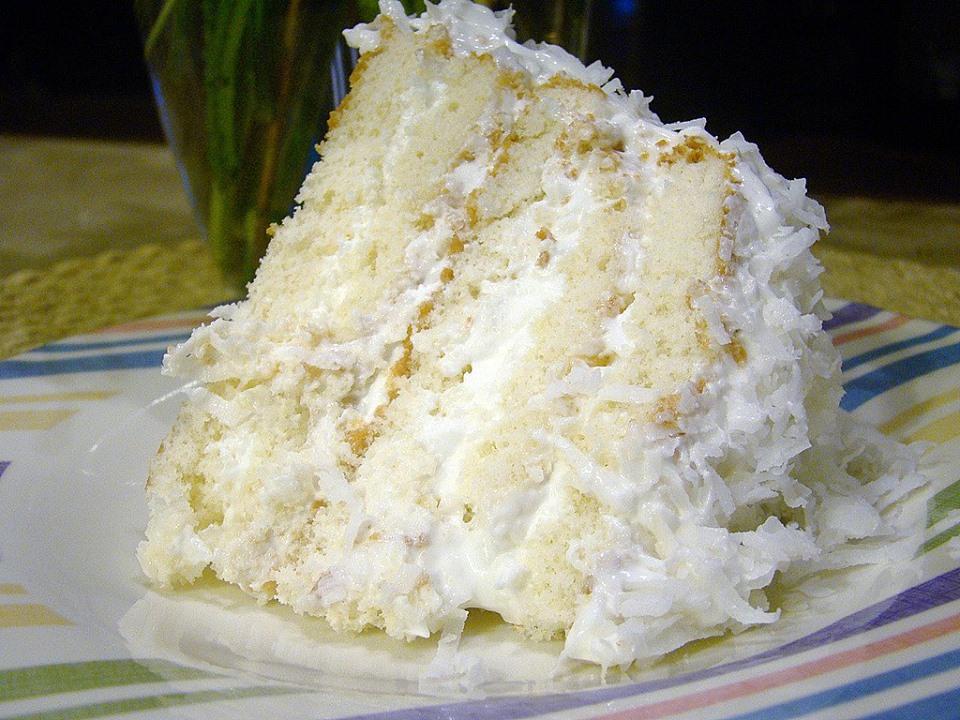 EASY COCONUT REFRIGERATOR CAKE