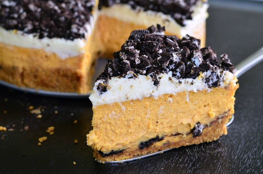 OREO PUMPKIN CHEESECAKE