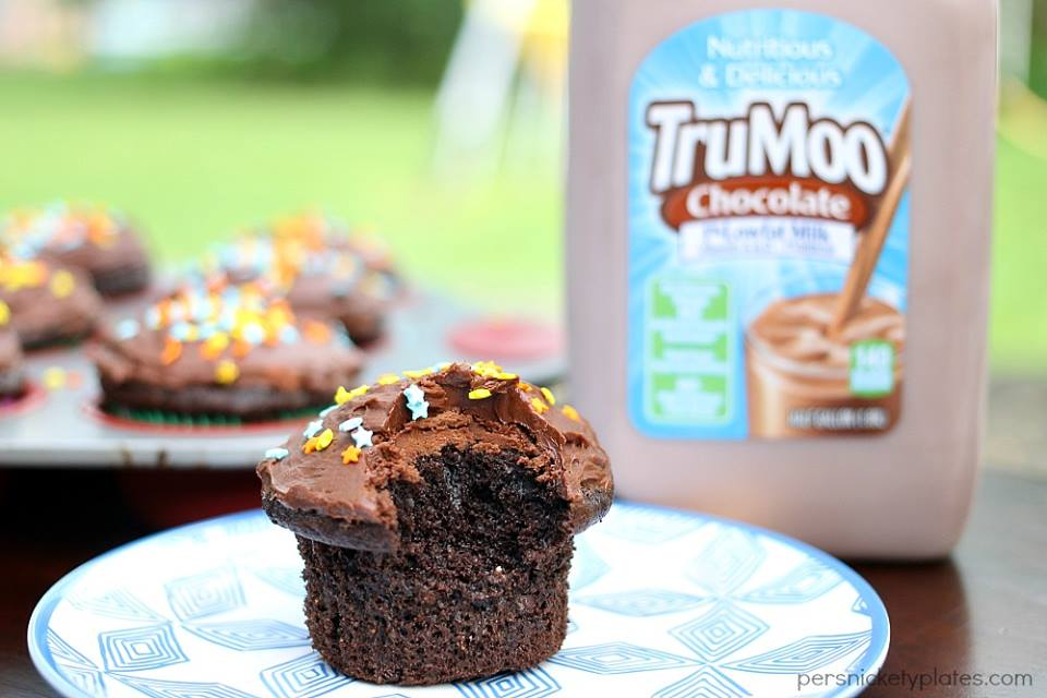 CHOCOLATE MILK CUPCAKES WITH CHOCOLATE MILK BUTTER CREAM FROSTING