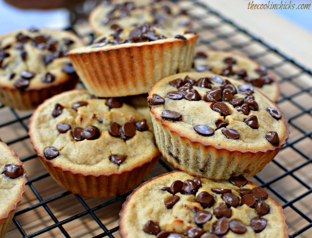 BANANA GREEK YOGURT MUFFINS