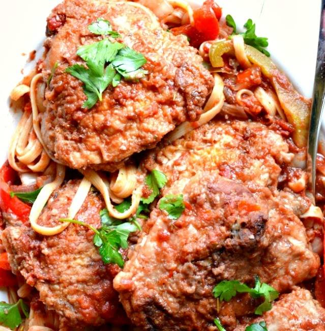 EASY CROCK POT CHICKEN CACCIATORE