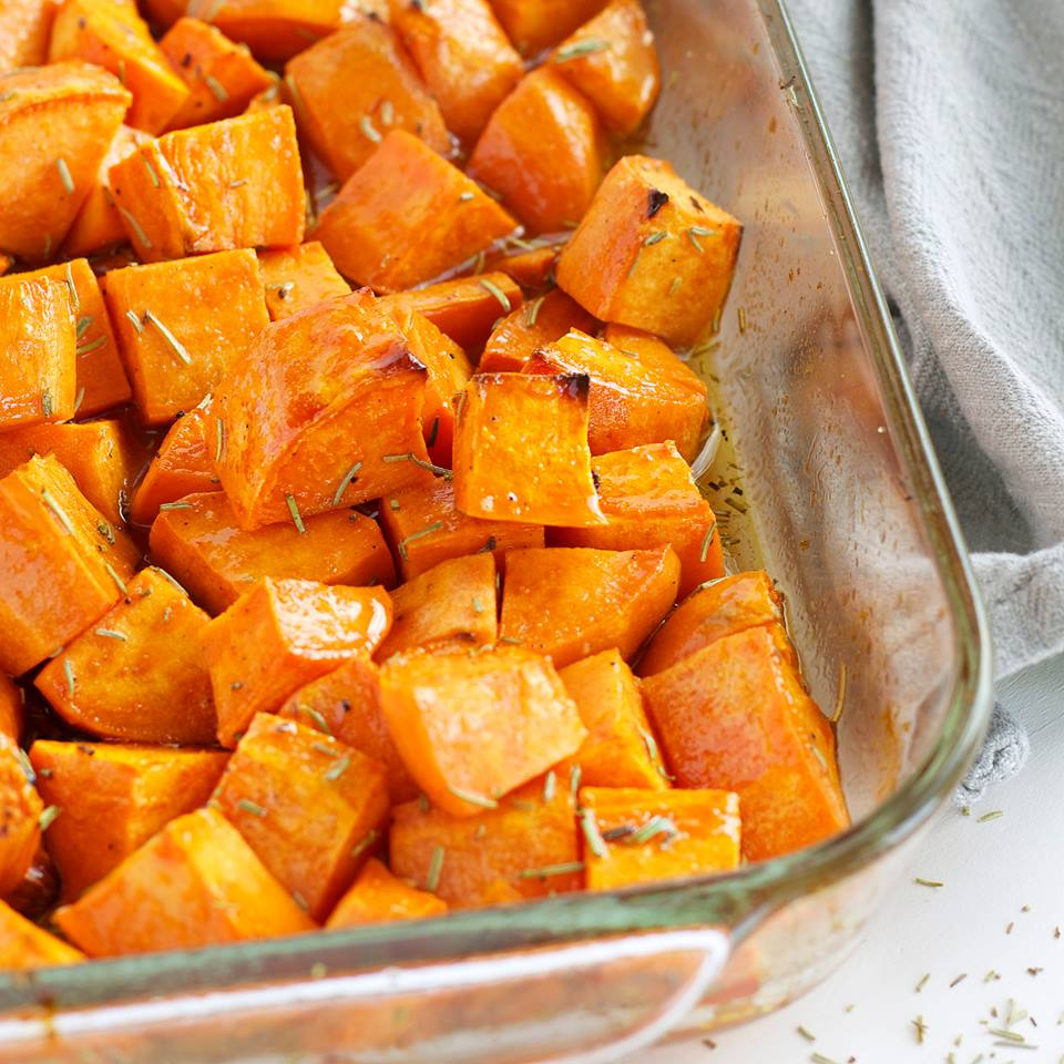 MAPLE ROSEMARY ROASTED SWEET POTATOES