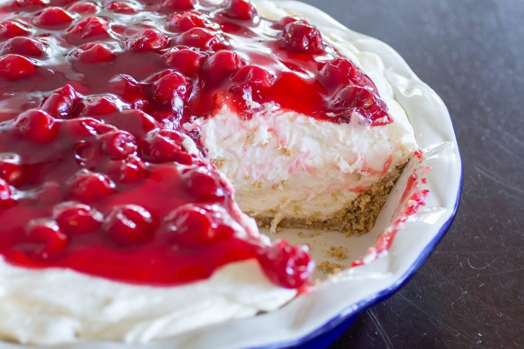 Maria's Mixing Bowl | NO BAKE CHERRY CHEESECAKE FLUFF PIE