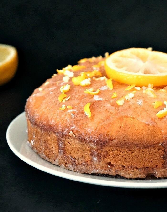 Classic Lemon Drizzle Cake
