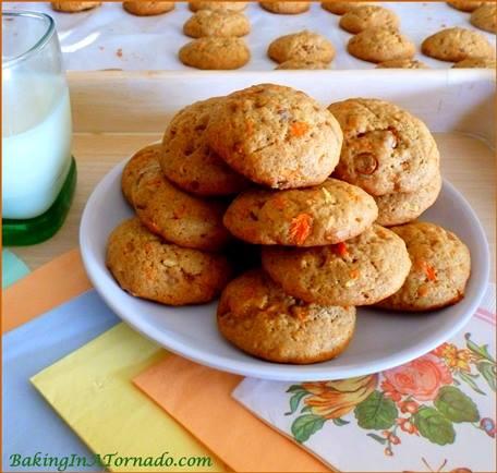 Cinnamon Toffee Carrot Cookies