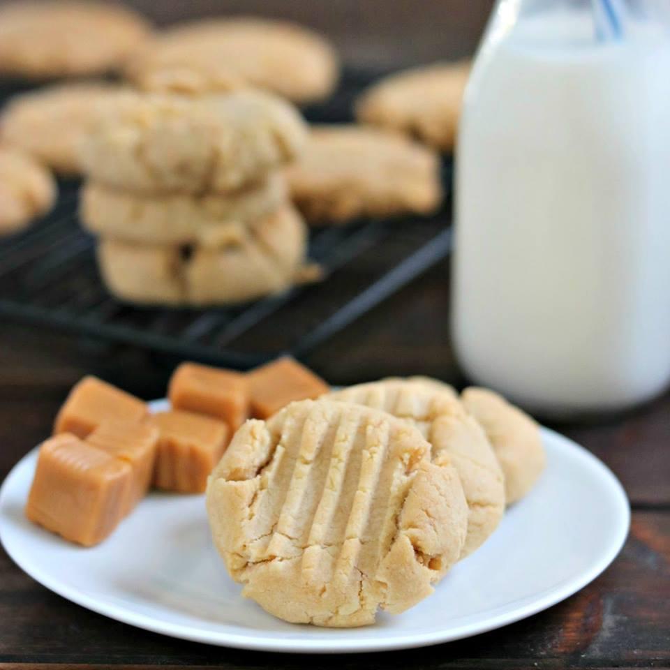 Simple Vanilla Caramel Cookies