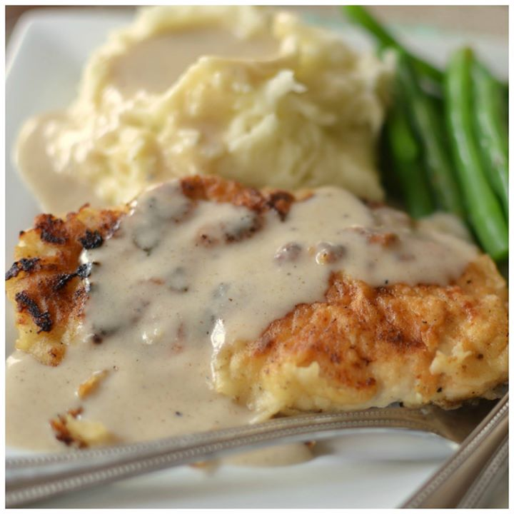 Easy Pan Fried Chicken and Cream Gravy