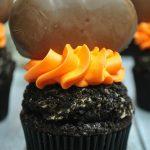 Reese's Pumpkin Cupcakes