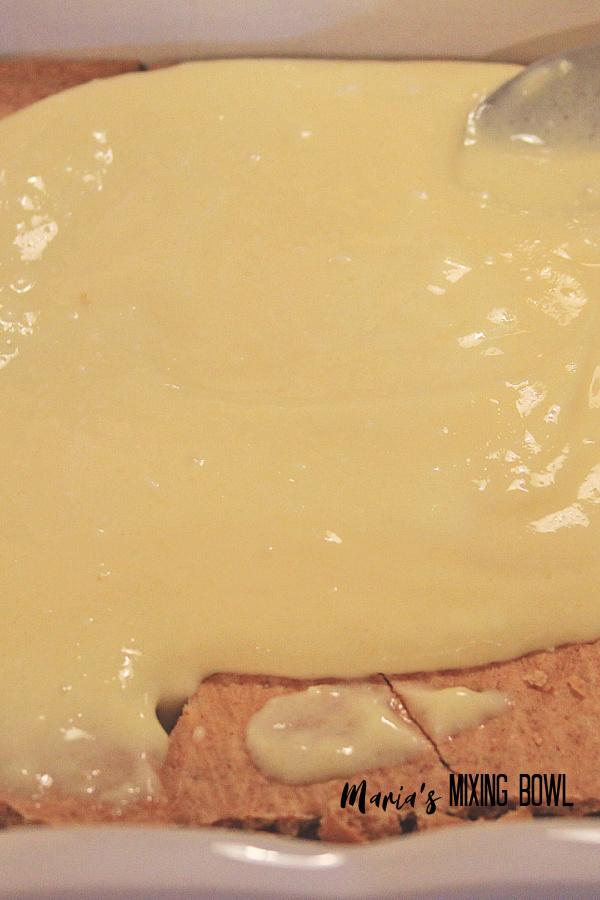Lemon Icebox Cake graham cracker and filling