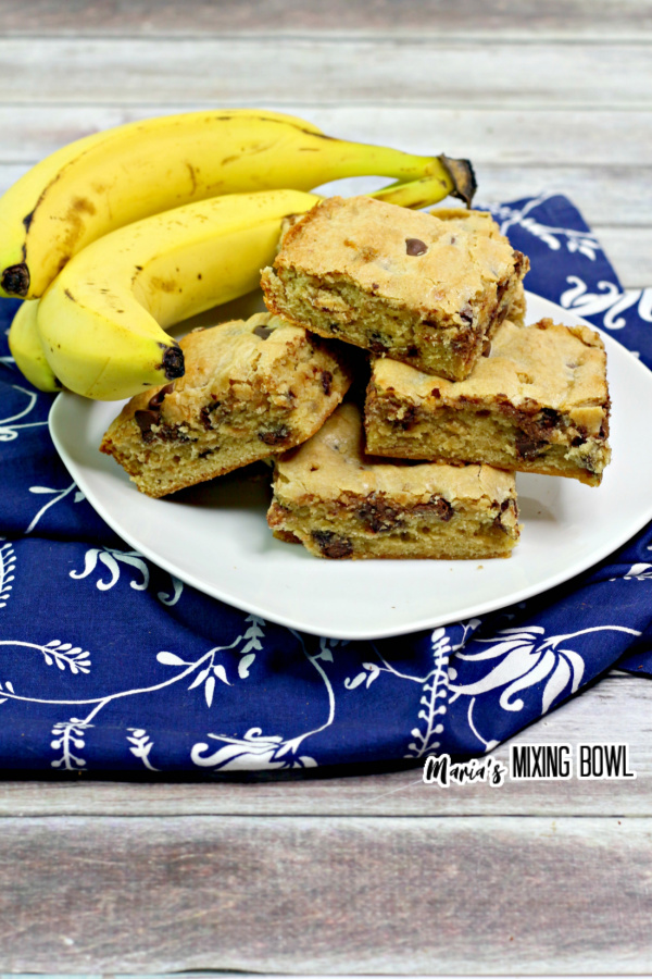 Chunky bars with bananas on a white plate