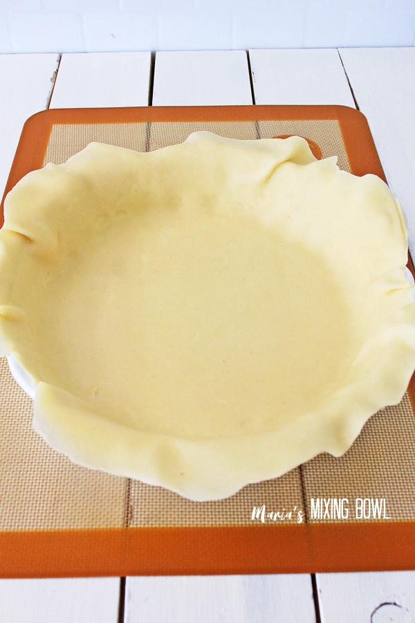 Pie crust in pie plate